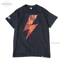 バスブリゲード Tシャツ - レイクカモボルト  #ブラック/レイクカモDレッド XLサイズ